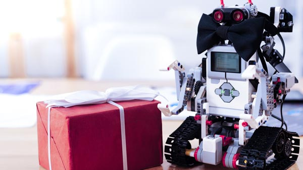 Organisation d'anniversaire sur le thème du code et de la programmation robotique