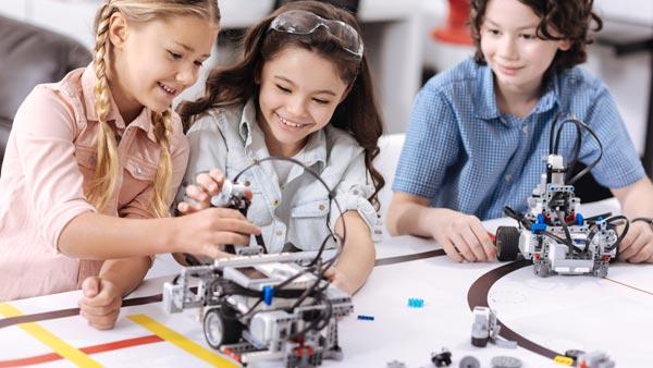Stages de programmation robotique pendant les vacances scolaires